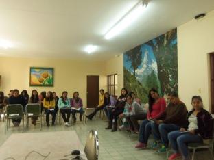 Formación con las jóvenes del Centro Social, mes de febrero