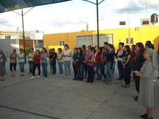 Actividad final de la formación con las jóvenes universitarias: Viacrucis