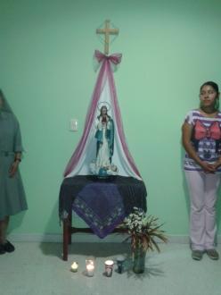 Mes de Mayo. Visita de la Virgen a las habitaciones de las jóvenes.