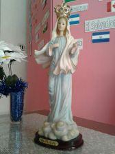 Virgen María Reyna y Madre nuestra.
