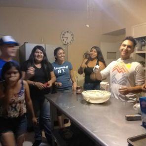 Jovenes del Tec de Monterrey compartiendo el taller